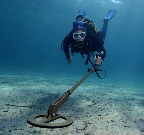 UWEX 725 K underwater metal detector thumbnail