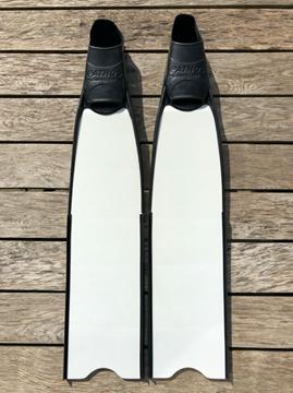 Billede af 21 - Kleinsub glasfiber finner (kun et par i str 46/48)